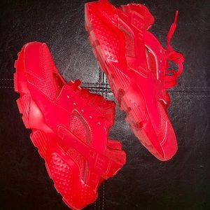 ❌FINALE SALE❌ Huaraches Red